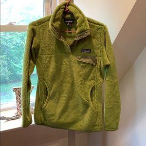 Green Patagonia sweater